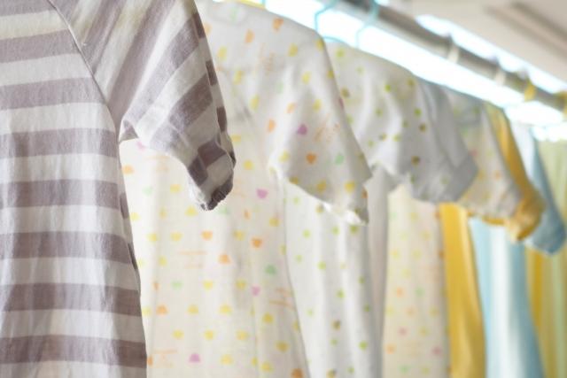 子供服は掛ける収納を活用!賃貸でも使える吊り下げグッズをご紹介